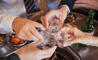 Koreans drink 8.5 days per month on average: poll