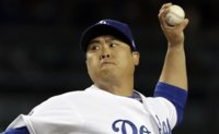 Dodgers' Ryu Hyun-jin earns 2nd win of season
