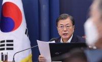 Moon honors UN Korean War veterans, vows to make Korea 'peaceful, prosperous'
