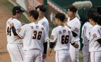 Hanwha Eagles' ace 'pleased' with KBO season debut