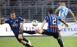 Atalanta beats Napoli 2-0 in Serie A to stay in hunt for 3rd