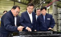 LG Chem CEO vows to support battery parts makers