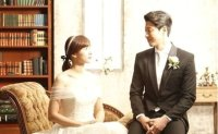 Celebrity couple Lee Dong-gun, Cho Youn-hee divorce after 3-year marriage
