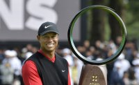 Tiger Woods wins Zozo Championship, ties PGA Tour wins record