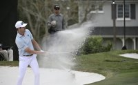 Golf industry sets three-stage to reopening US courses