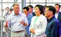 Biz leaders tighten vigilance against economic woes