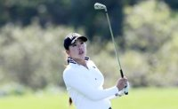 Teen golf phenom not lacking confidence, or distance off tee