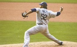 Dodgers 1st team to clinch playoff spot, beat Padres 7-5