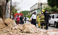 Powerful earthquake shakes southern Mexico, 6 killed