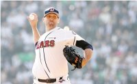 US pitcher sues ex-club in Korea over unpaid buyout
