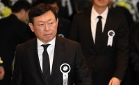 Lotte chairman aims to reduce Japanese influence