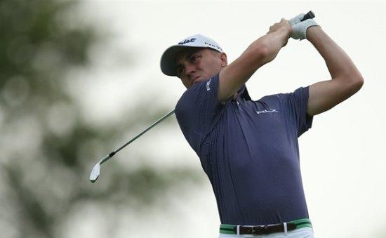 Golf-Thomas grabs U.S. Open lead, Mickelson falters