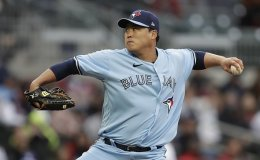 Blue Jays pitcher Ryu Hyun-jin goes 7 strong vs. Braves for 3rd win of season