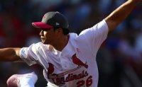 Cardinals' Oh picks up 10th save