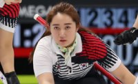 Korea closes in on 1st in women's curling