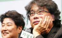 'Parasite' Director Bong Joon-ho greeted with a hero's welcome