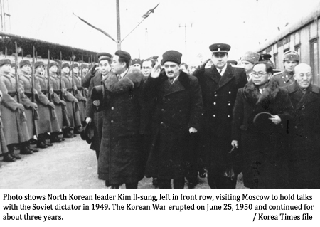 Image result for Kim Il-Sung and stalin in 1950