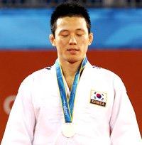 Wang Ki-chun prasied for sportmanship
