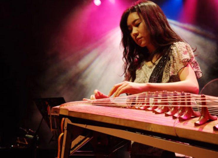 Gayageum player Luna Lee performs at Ansan Arts Center on April 13.                                                                                                          / Courtesy of Tae Kim