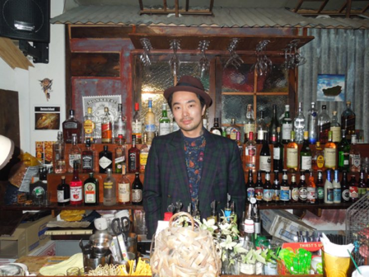 <p style='text-align: left;'>Justin Jun, owner of Bali Superstore, is among the first pub owners in Hapjeong to feature craft beers.</span><br /><br />