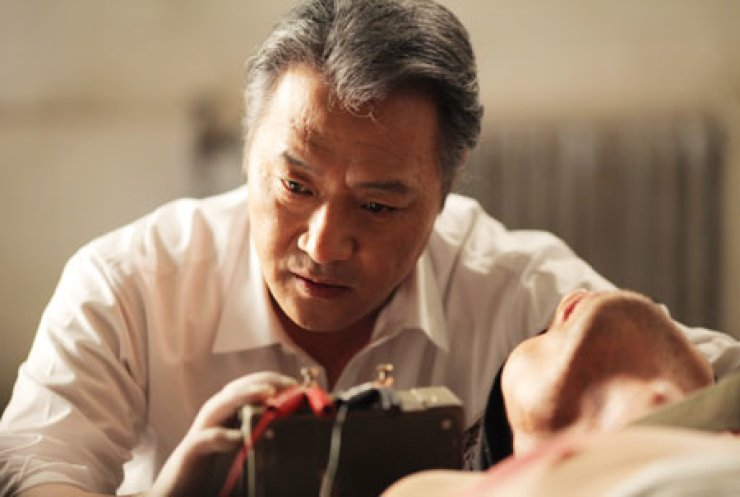 Veteran actor Lee Gyeong-yeong stars in a scene from 'National Security'                                                                                                / Courtesy of Aura Pictures