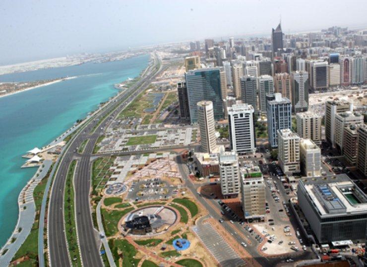 Corniche Abu Dhabi, UAE / Courtesy of UAE Embassy