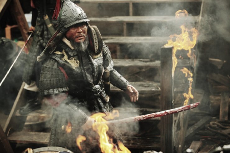 Veteran actor Choi Min-sik stars as Joseon admiral Yi Sun-sin in the upcoming movie 'Roaring Currents.' / Courtesy of CJ E&M
