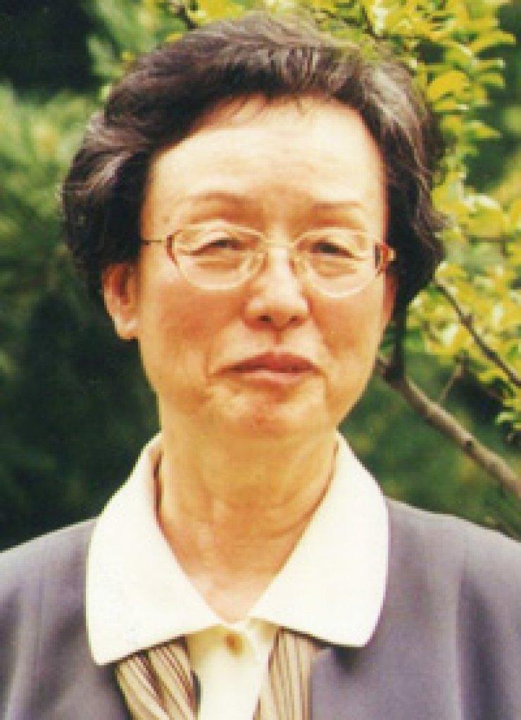 Yun Chung-ok, retired professor from Ewha Womans University