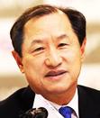 Ha Sung-min, president of SK TelecomHwang Chang-gyu, CEO of KTLee Sang-chul, CEO of LG UplusChung Mong-koo, CEO of Hyundai Motor