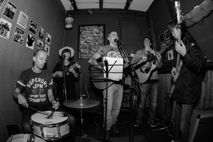 John Patrick Starling & Drownin' River perform at Cinder Bar in Songdo, Incheon, early this year. <br />/ Courtesy of Dave Bartlett