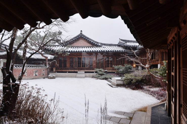 The compounds of the Korea Furniture Museum in Seongbuk-dong, Seoul/ Korea Times photos by Shim Hyun-chul
