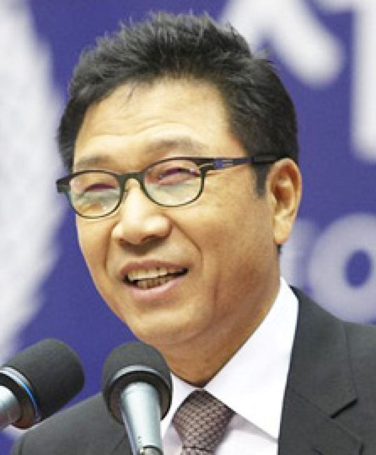 Lee Soo-manSM Entertainment chairmanHan Ye-seulActress