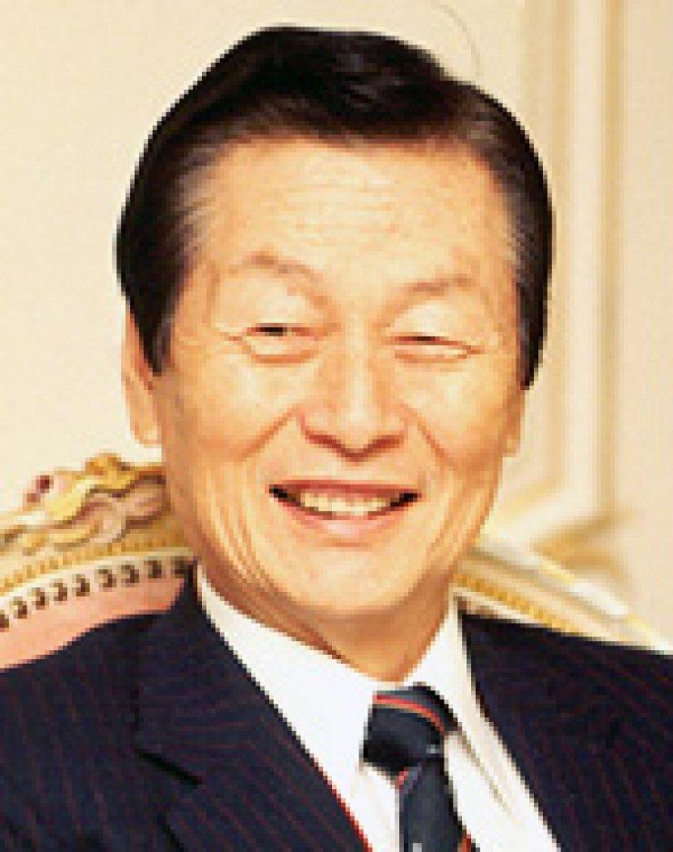 Shin Kyuk-hoShin Dong-binShin Dong-joo