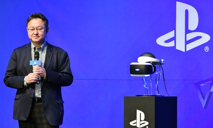 Sony Computer Entertainment Worldwide Studio President Yoshida Shuhei answers questions during a press conference to launch the firm's virtual reality head-mounted display in Seoul, Wednesday. / Courtesy of Sony Korea