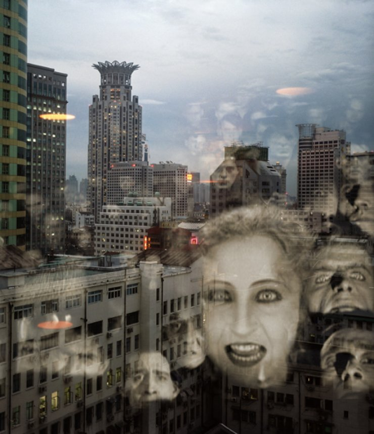 Clemens von Wedemeyer's 'Metropolis - Report from China' (2004-2006) / Courtesy of Utopian Days and the artist
