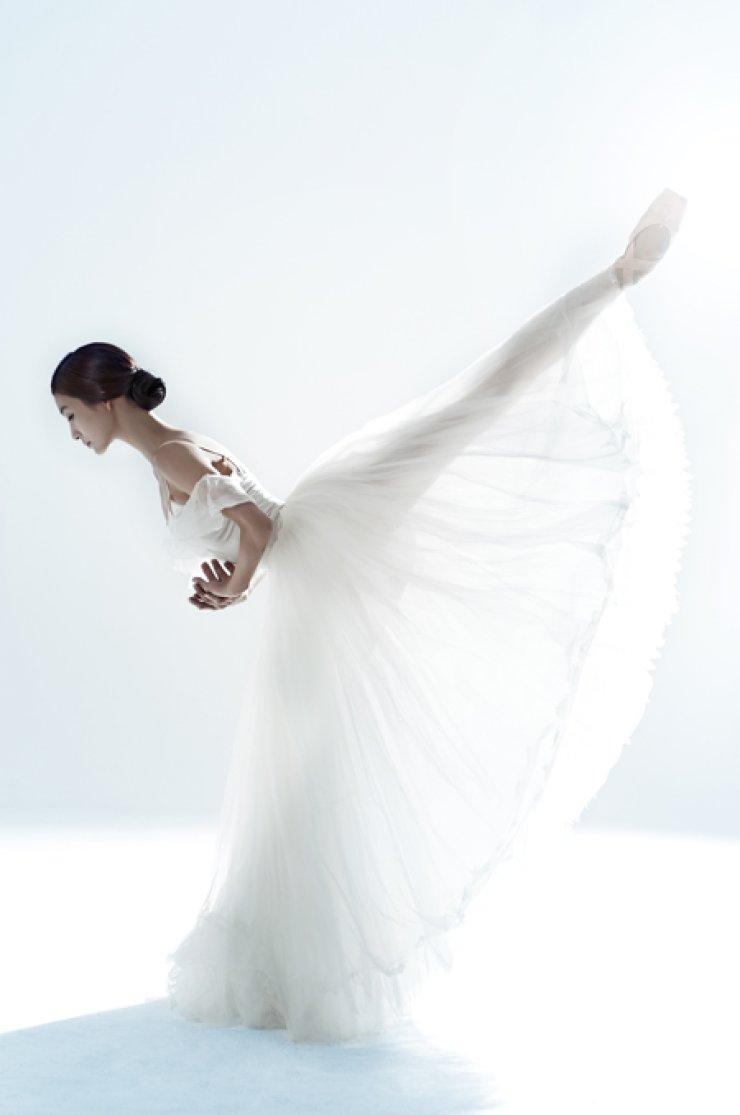 <p style='text-align: left;'>Ballerina Kim Joo-won in Universal Ballet's Giselle <br />/ Courtesy of Universal Ballet</span><br /><br />