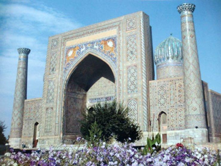 Sher Dor Madarasah in Samarkand Courtesy of Uzbek Embassy