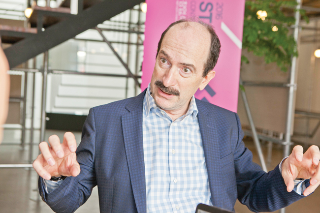 Tom Kelley, partner at design consulting firm IDEO, makes a keynote speech at Startup:CON held Oct. 11 at the Museum of Modern and Contemporary Art in Jongno-gu, Seoul.  / Courtesy of Startup:CON
