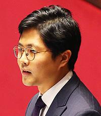 Rep. Eun Soo-miRep. Kim Kwang-jin