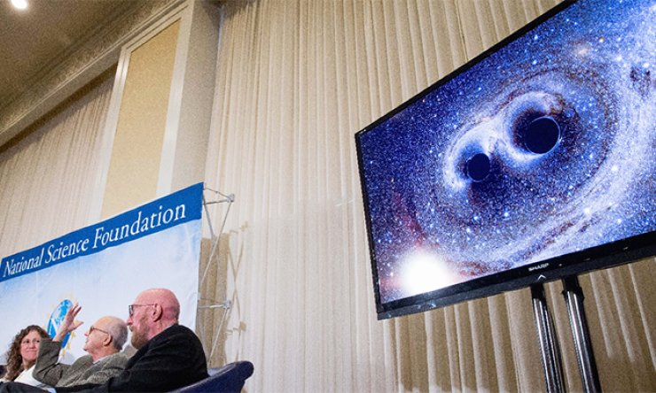Scientists of the LIGO Science Collaboration introduce the first observation of gravity wave at the National Press Club in Washington D.C. on Feb. 11. Researchers said Thursday they detected another gravity wave generated by a clash between two massive black holes about 1.4 billion light years away from the earth for the second time in history./ AP-Yonhap