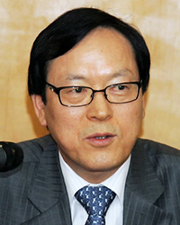 Hong KyttackAIIB vice presidentKim Yong-hwanNH Financial chief