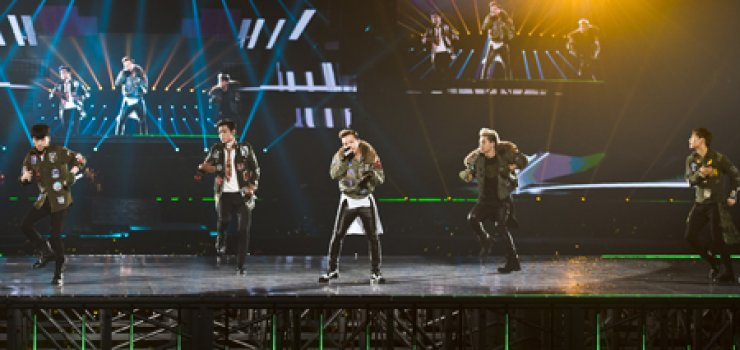 YG Entertainment's Big Bang performs during a concert at Kyocera Dome in Osaka as a part of their Japan Dome Tour in January 2014. / Korea Times file