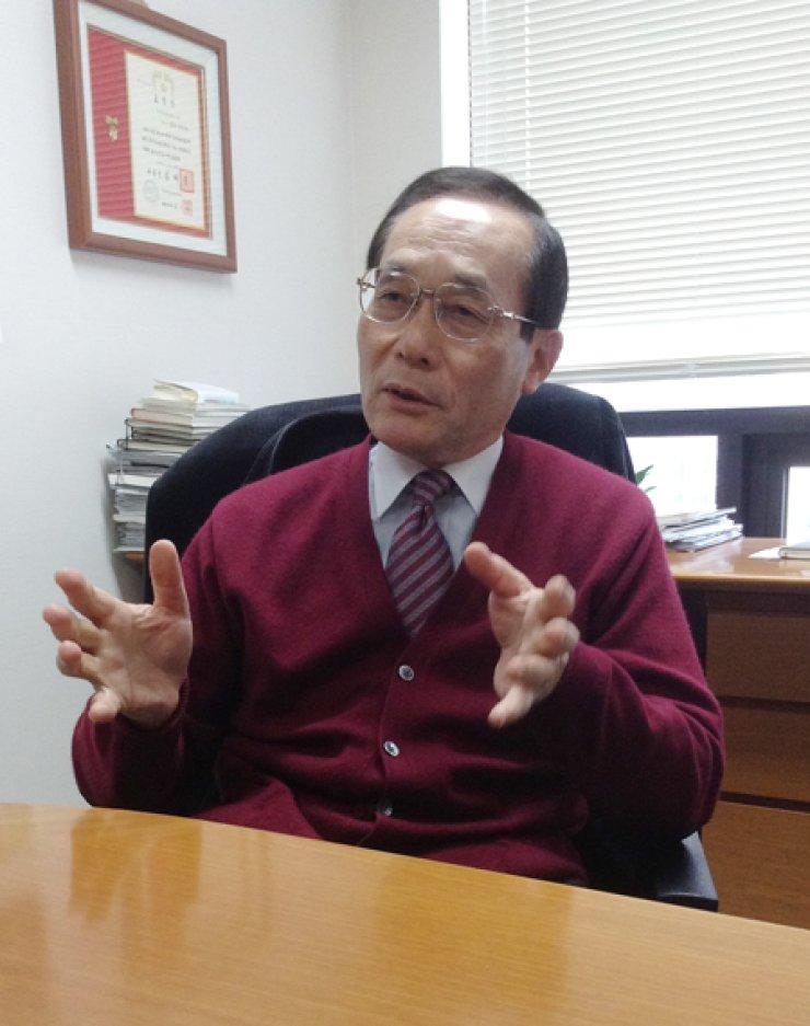 Nobuya Takasugi