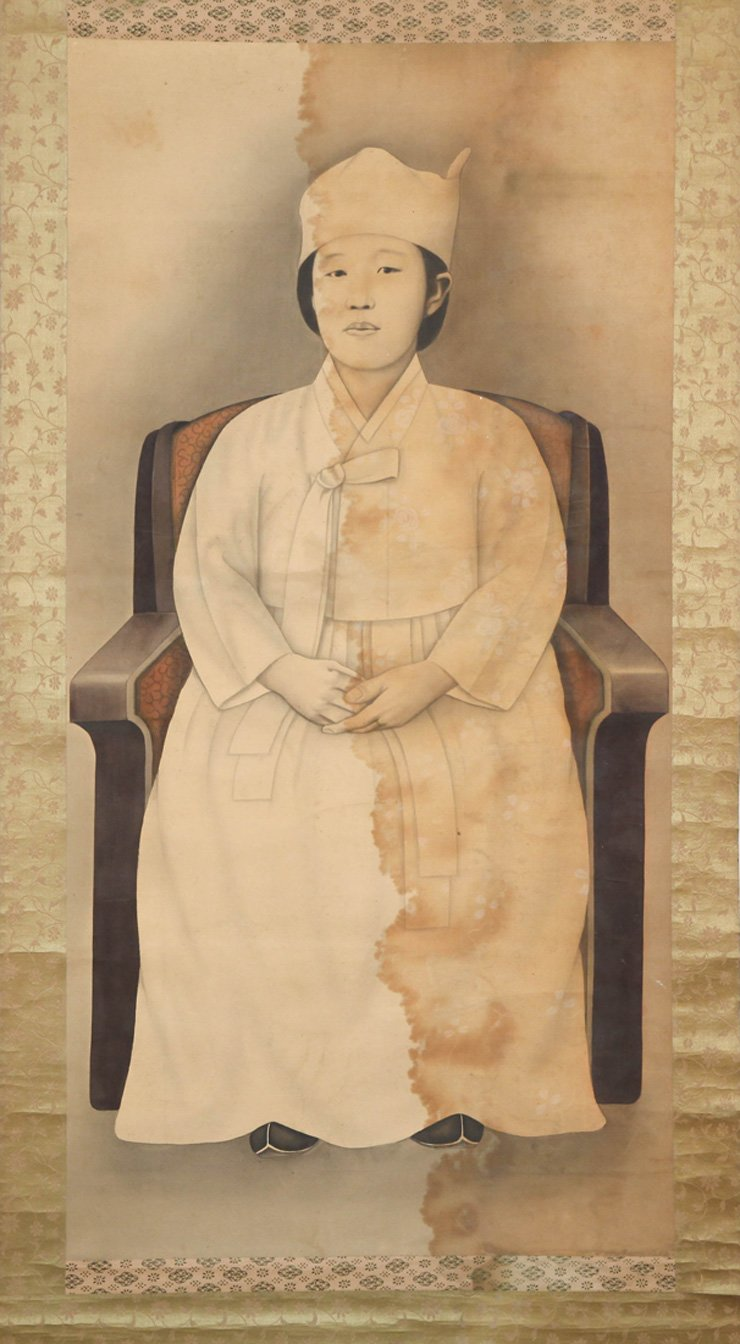 A portrait of a woman presumed to be Empress Myeongseong is on view at the Daboseong Gallery in Seoul. / Courtesy of Daboseong Gallery