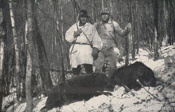 Sten Bergman and V. Jankovski hunting boars in northern Korea in December 1935