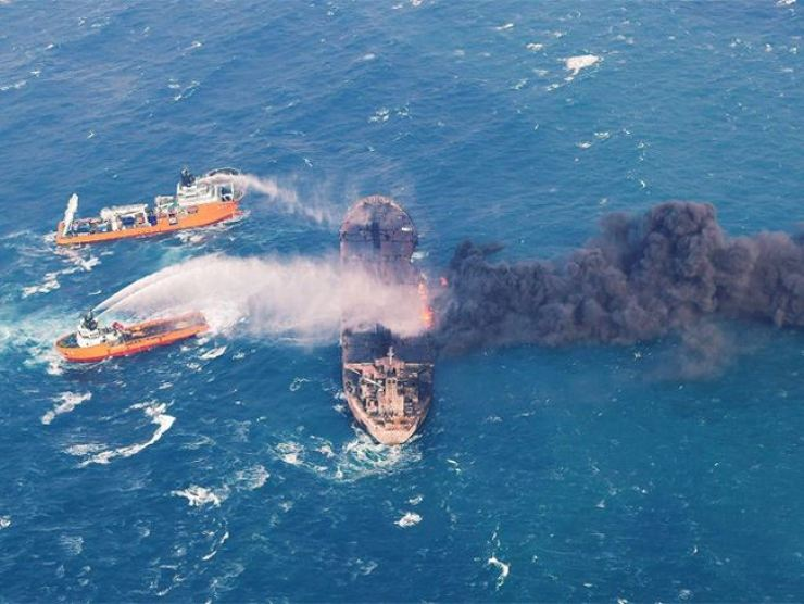 The Iranian oil tanker Sanchi burned for more than a week in the East China Sea before sinking on Sunday. / Reuters