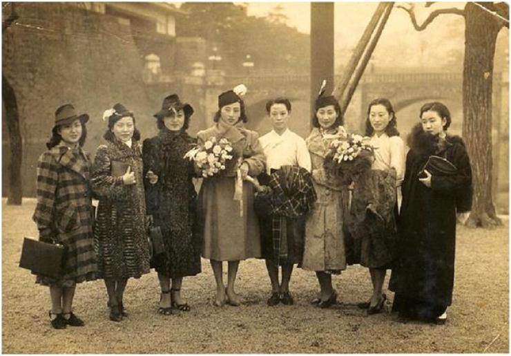 Jeogori Sisters debuted in 1935 is the 'root' of modern K-pop girl groups. The popular project group was comprised of top female singers of the time including Lee Nang-young, known for her song 'Tears of Mokpo,' and Park Hyang-rim who sang the hit song 'My Brother is a Street Musician.' They even performed in Japan. / Provided by Choi Kyu-sung