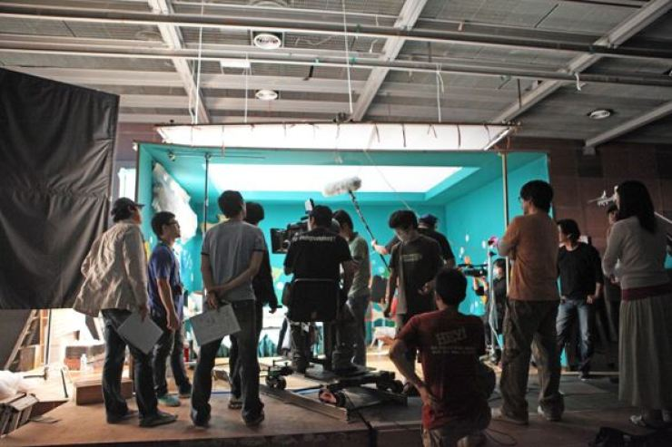 Staff involved in production. Courtesy of the Federation of Korea Movie Workers' Union