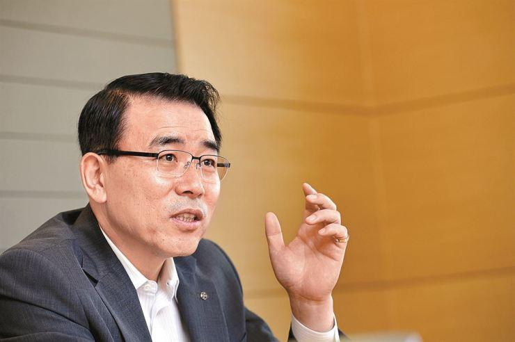 Shinhan Financial Group Chairman Cho Yong-byoung / Korea Times photo by Shim Hyun-chul