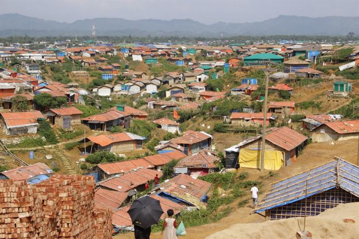 Seen is the world's largest refugee camp for Rohingya refugees fleeing Myanmar in Kutupalong, at Cox's Bazar, Bangladesh, Friday. Korea Times photos by Park Ji-won